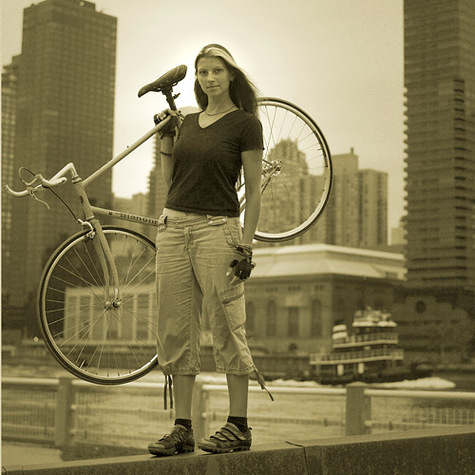 Woman_riding_bike_with_normal_cloth